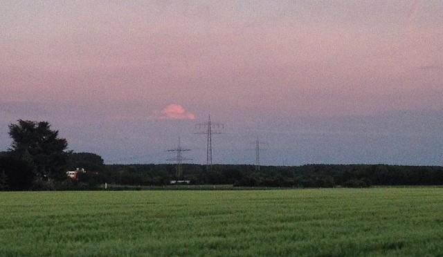 #Mond über #Jücht in #Düsseldorf #Itter