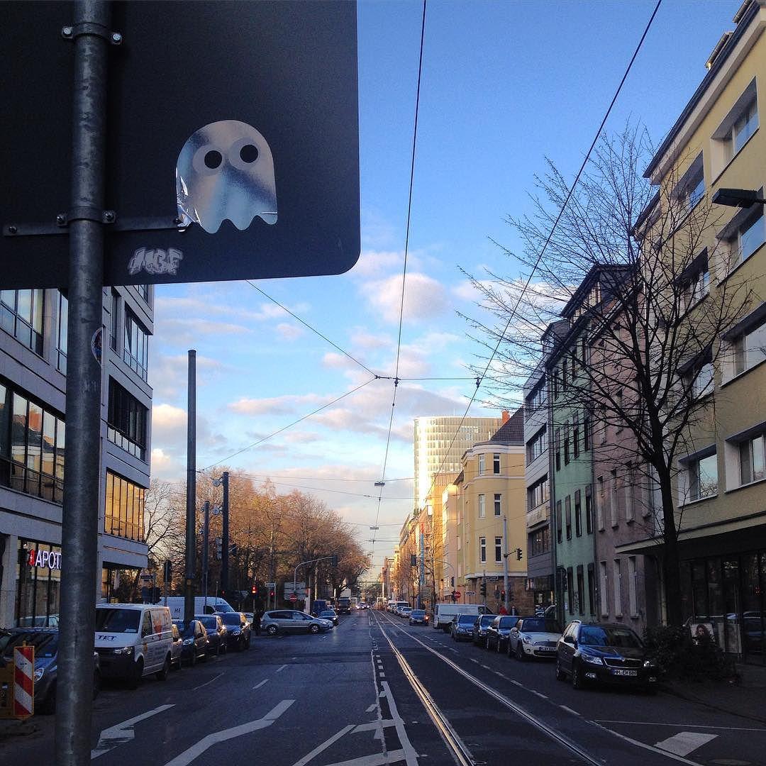 Elisabethstrasse #Düsseldorf mit Spiegelgeist #pacmanghost