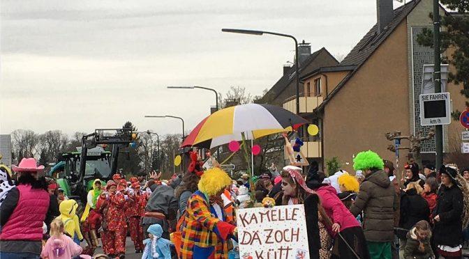 #Karneval in #Düsseldorf #Itter #Kamelle dä #Zoch kütt